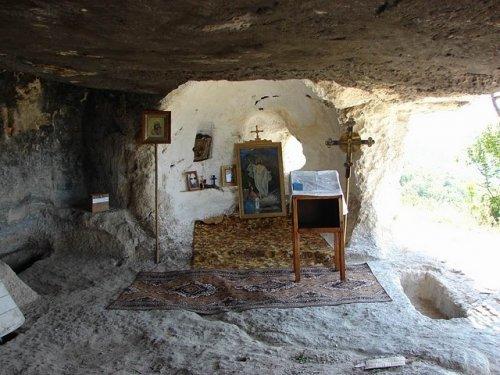 Монастыри, скиты, подворья Крыма