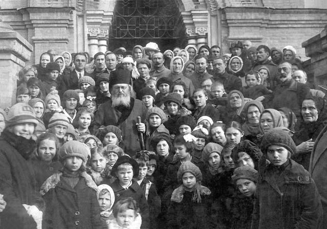 епископ Лука (Войно-Ясенецкий) среди крымчан