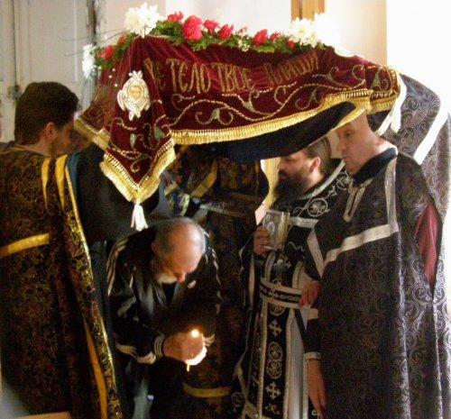 Вынос и погребение Плащаницы в Страстную пятницу