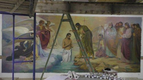 Продолжается благоустройство храма священномученика Вениамина, митрополита Петроградского и Гдовского в городе Симферополе