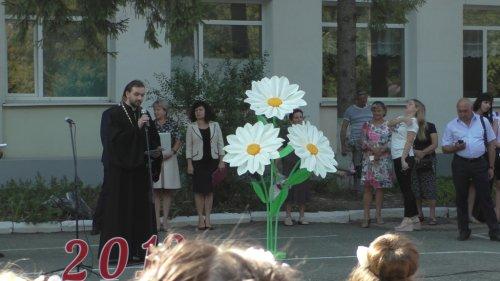 Священники Второго Симферопольского благочиния приняли участие в праздновании Дня знаний в учебных заведениях