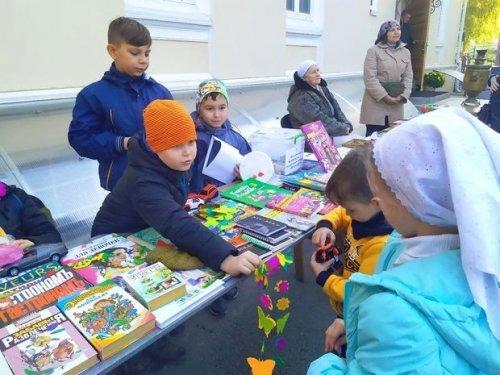 В Петро-Павловском кафедральном соборе г. Симферополя проведена благотворительная ярмарка