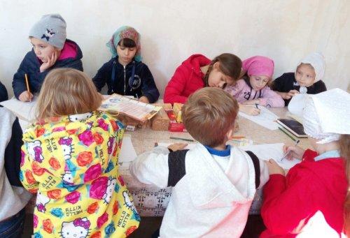 Прошли занятия с учащимися воскресной школы при храме святителя Вениамина в Симферополе