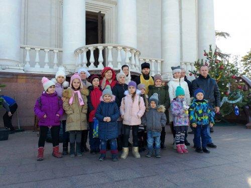 Воспитанники воскресной школы посетили кафедральный Александро-Невский собор в Симферополе