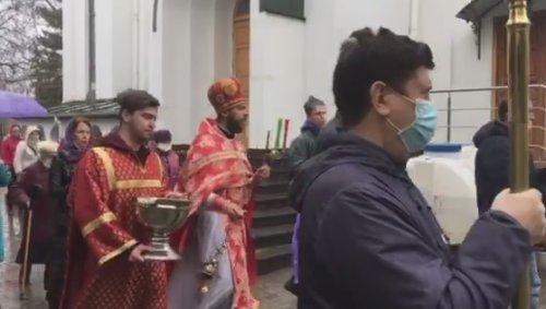 Божественная литургия и крестный ход в храме сщмч. Вениамина в Симферополе
