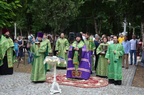 В Симферополе совершен молебен о семейном благополучии и умножении любви